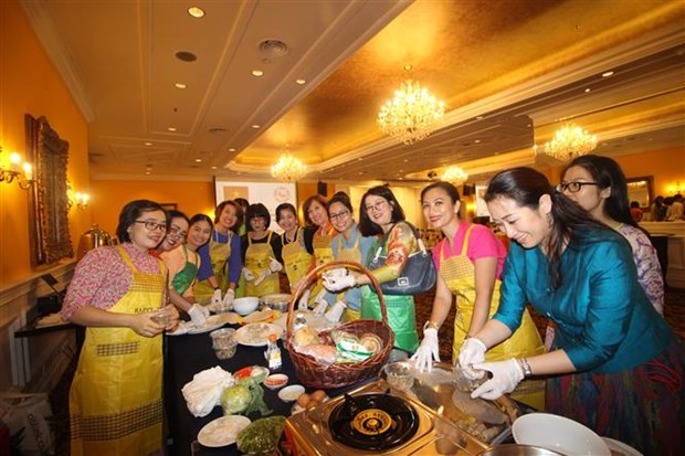 Vietnamese cuisine attracts ASEAN friends in Malaysia hinh anh 1