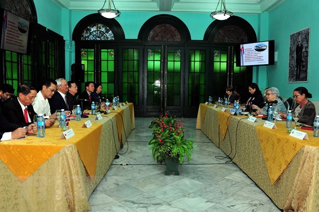 Vietnam, Cuba share experience in policymaking hinh anh 1