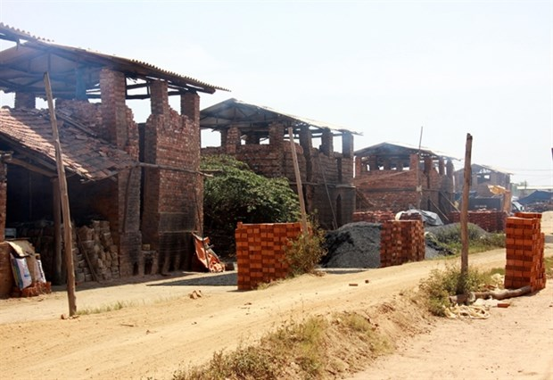Quang Ngai struggles to eliminate old-style brick kilns hinh anh 1