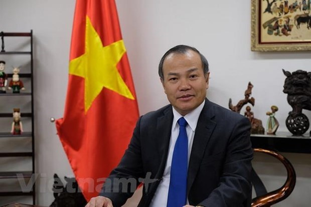 Vietnamese ambassador presents credentials to Marshall President hinh anh 1