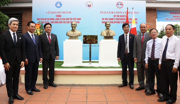Busts of Vietnamese, Philippine heroes unveiled in Thai Nguyen hinh anh 1