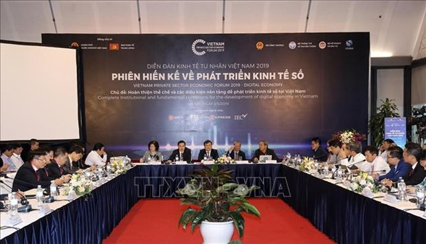 Experts seek measures to boost digital economic growth in Vietnam hinh anh 1