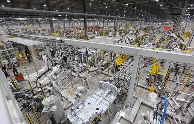 Industrial sector records 9.2 percent expansion in January-April hinh anh 1