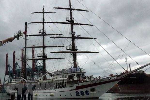 Vietnam People's Navy sailing ship visits Indonesia hinh anh 1