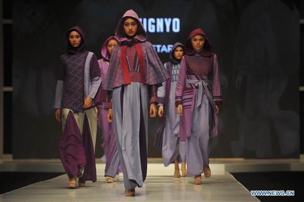 Indonesia targets to become world's Muslim fashion centre by 2020 hinh anh 1