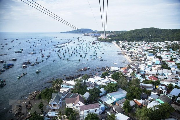 Phu Quoc island welcomes over 72,500 tourists during five-day holiday hinh anh 1