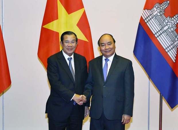 Prime Minister receives Lao, Cambodian guests hinh anh 1