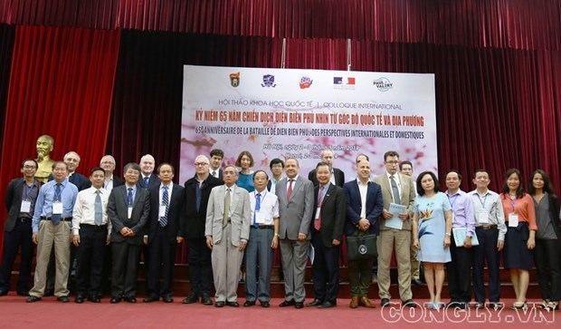 Domestic, foreign researchers discuss Dien Bien Phu campaign hinh anh 1