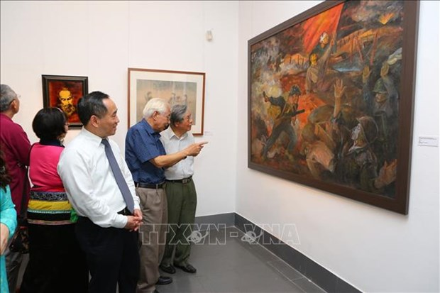Exhibition spotlights Dien Bien Phu victory hinh anh 1