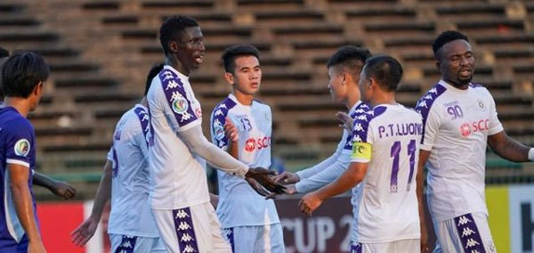 Hanoi FC, Becamex Binh Duong win AFC Cup group matches hinh anh 1