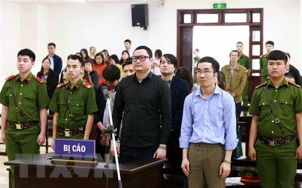 Trial on stock manipulation, fraudulent transfers re-opened hinh anh 1