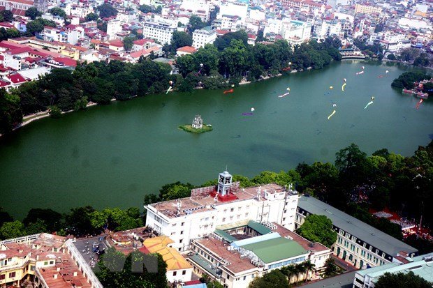 Tourist arrivals to Hanoi hike during holiday hinh anh 1