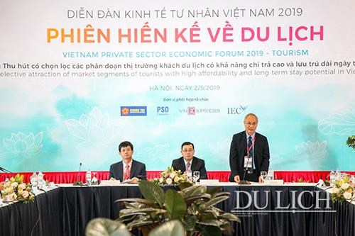 Tourism sector urged to lure high-spending tourists hinh anh 1