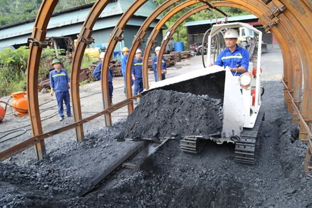 Vinacomin produces nearly 15 million tonnes of coal in four months hinh anh 1