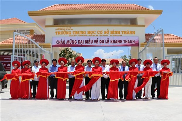 Deputy PM inaugurates secondary school in Long An hinh anh 1