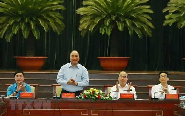 PM Nguyen Xuan Phuc speaks of highly-skilled workers' role hinh anh 1