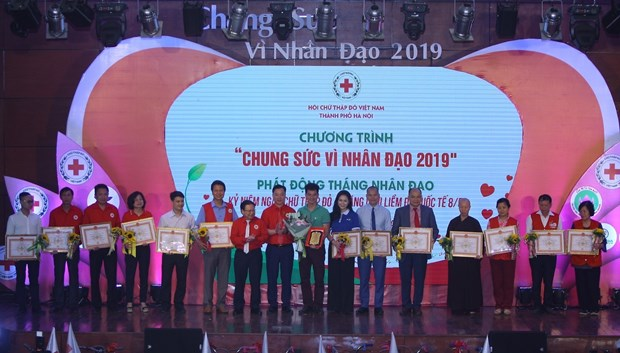 Hanoi Red Cross launches humanitarian month hinh anh 1