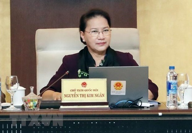 NA Chairwoman chairs meeting to review law making resolution hinh anh 1