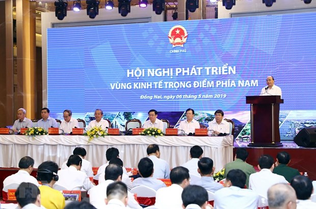 PM chairs southern key economic zone development conference hinh anh 1