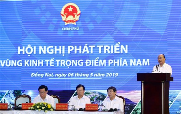 PM urges southern key economic zone to put forth specific mechanisms hinh anh 1