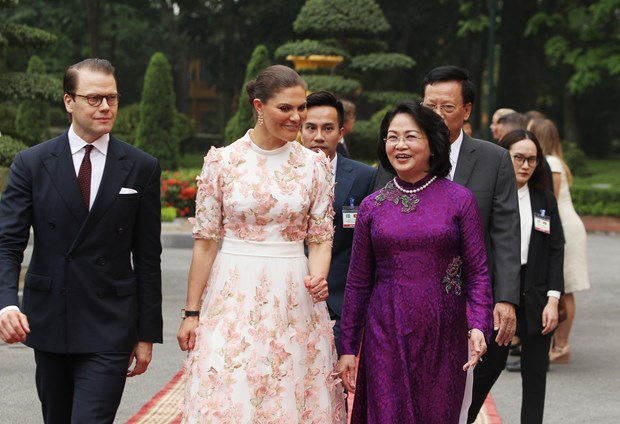 Vietnam, Sweden seek to step up cooperation during talks hinh anh 1