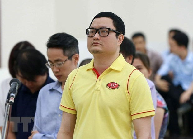 Mastermind behind securities price manipulation given life imprisonment hinh anh 1