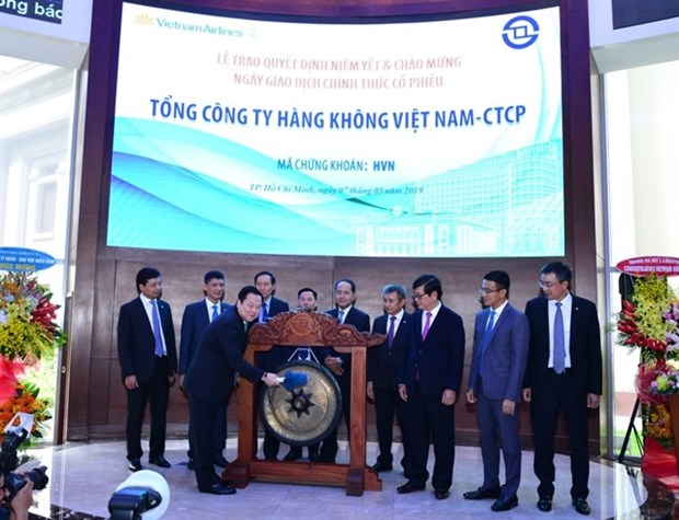 Vietnam Airlines officially lists shares on HoSE hinh anh 1