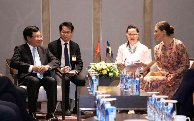 Deputy PM meets Crown Princess of Sweden hinh anh 1