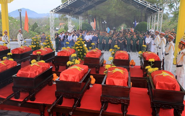 Memorial service for remains of soldiers repatriated from Laos hinh anh 1