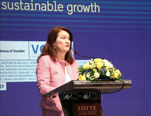 Sweden pledges to help Vietnam in energy saving hinh anh 1