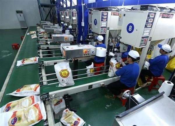Firms advised to sign contracts in transactions with Chinese partners hinh anh 1