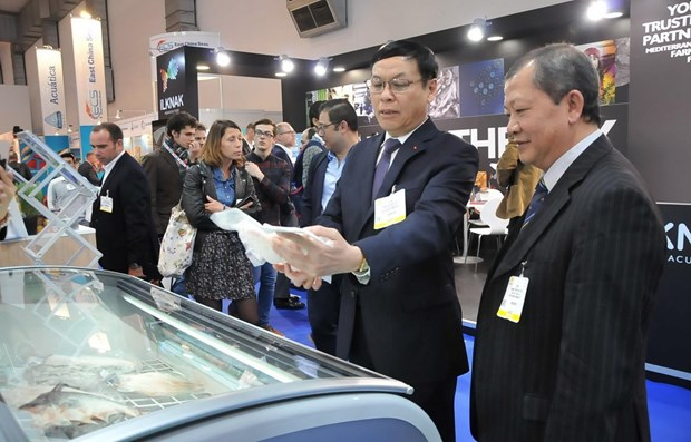 Vietnam's seafood promoted in Brussels expo hinh anh 1
