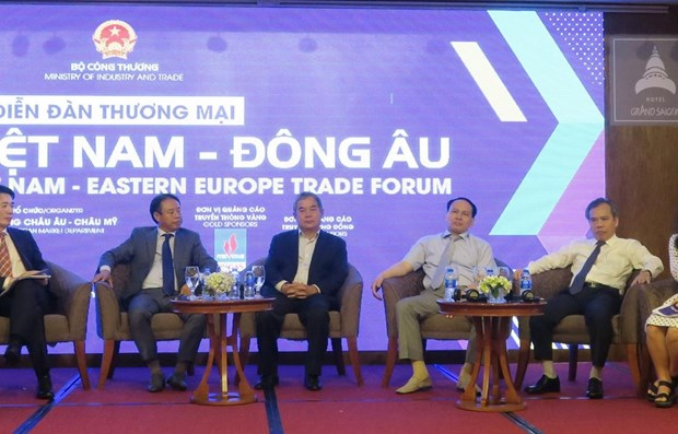 Forum looks to bolster Vietnam-Eastern Europe trade hinh anh 1