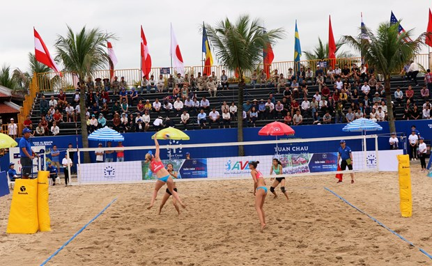 Int'l female beach volleyball tournament kicks off in Quang Ninh hinh anh 2