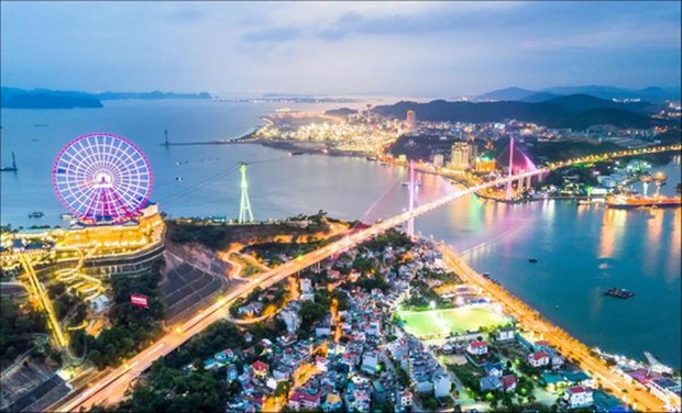 Ha Long aims to become smart city hinh anh 1