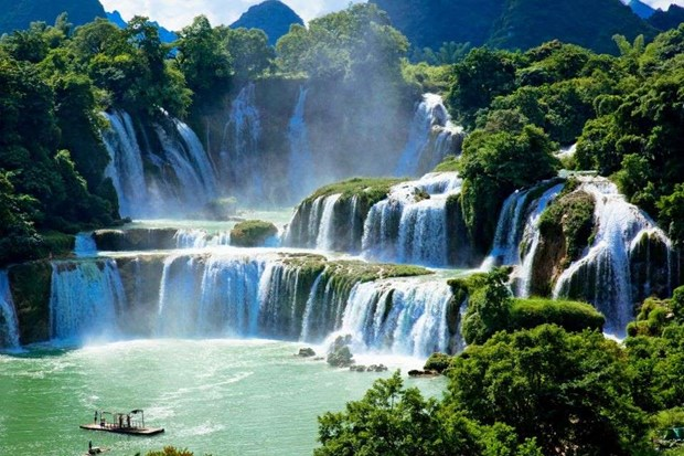 Two Vietnamese waterfalls among world's most beautiful: MSN hinh anh 1