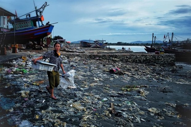 Vietnam to host int'l workshop on management of marine debris hinh anh 1