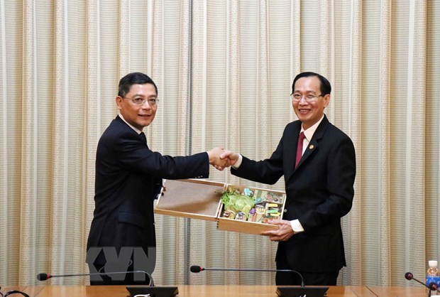 HCM City, Shanghai look to further cooperation hinh anh 1