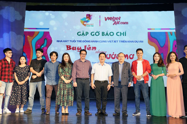 Vietjet, Youth Theatre wing artistic dreams of children hinh anh 1