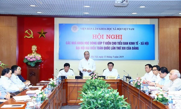 Scientists raise opinions on socio-economic development strategy hinh anh 1