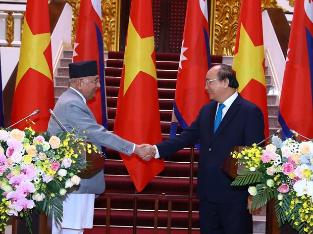 Nepalese PM concludes official visit to Vietnam hinh anh 1