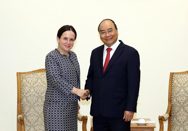 PM hopes to lift Vietnam-Romania trade on par with potential hinh anh 1