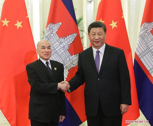 Chinese President meets Cambodian King in Beijing hinh anh 1