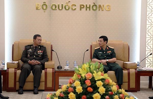 General Staff Chief welcomes Cambodian general in Hanoi hinh anh 1