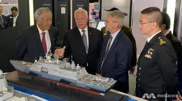 Vietnam attends maritime defence exhibition 2019 hinh anh 1