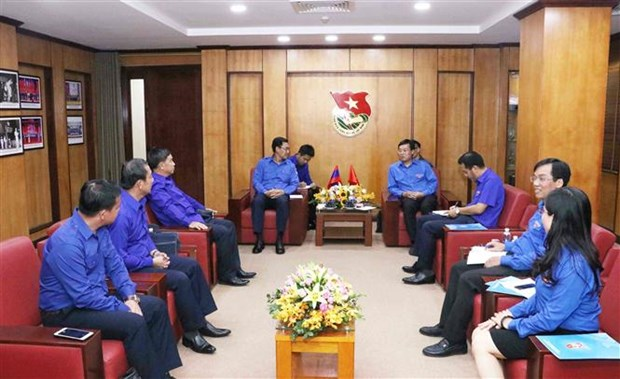 Vietnam, Laos youth unions look to enhance cooperation hinh anh 1