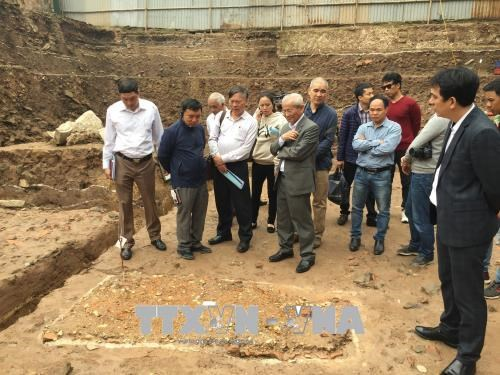 More artifacts found in Thang Long Imperial Citadel hinh anh 1