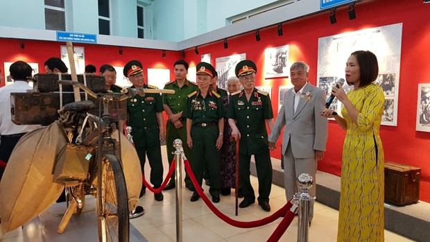 Historical documents on Ho Chi Minh Trail on display hinh anh 1