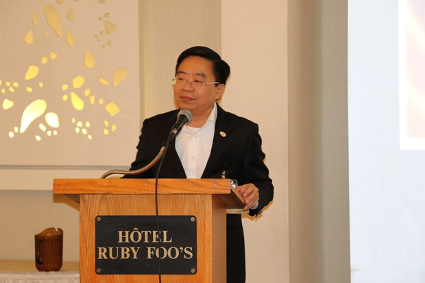 Vietnamese firms move to foster apparel exports to Canada hinh anh 1