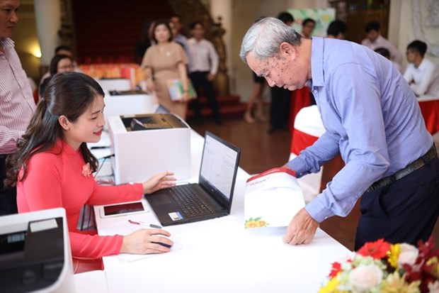 Vietnamese banks face challenges in digital banking transformation hinh anh 1